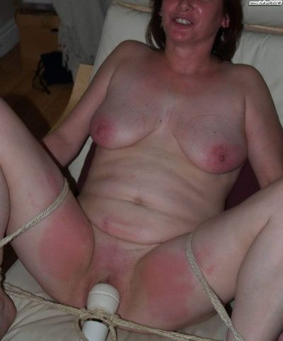 Amateur housewives really love smoking
