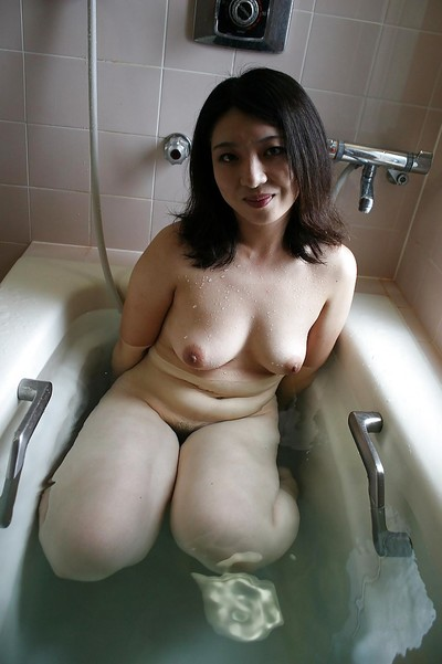 Fuckable Japanese MILF Naho Tajiri takes shower and gains booped