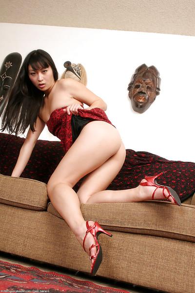 Chinese number 1 timer Lena flashing lace upskirt underclothing on mattress