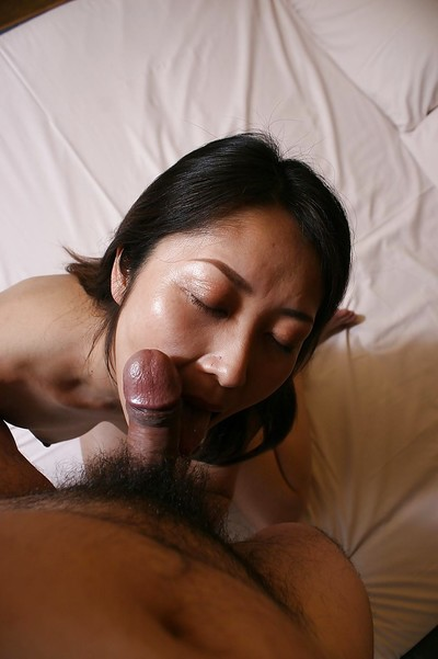 Close up oral play from an Japanese housewife Hisako Kawaguchi to her chap