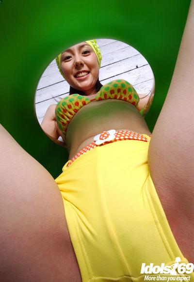 Gorgeous eastern girl with unshaved love-cage Yui Hasumi erotic dancing off her bikini
