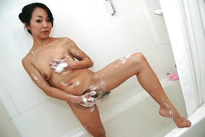 Chinese MILF with furry slit Mariko Yoshizawa ravishing baths