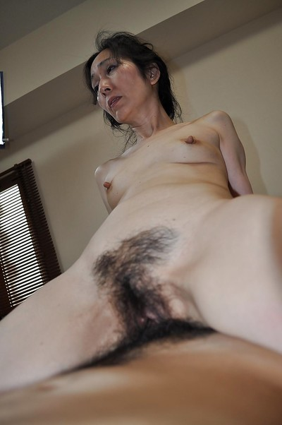 Ripe Chinese whore gives head and obtains her hirsute vagina shafted raw