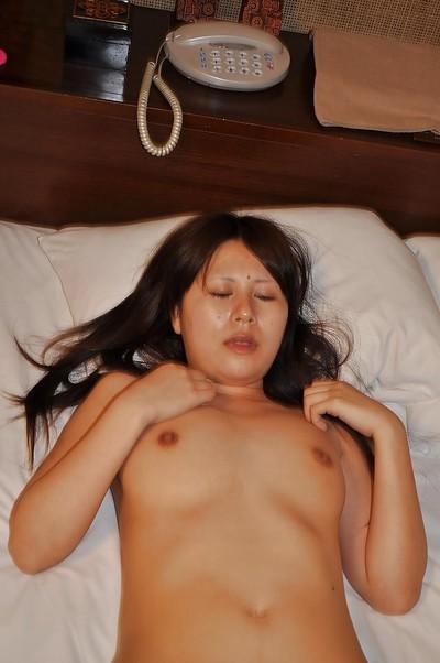 Oriental MILF Yoko Okada has some fur pie fingering getting pleasure afterwards baths