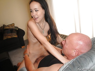Japanese young gal Amai Liu accepts her gentile slammed by an oldman