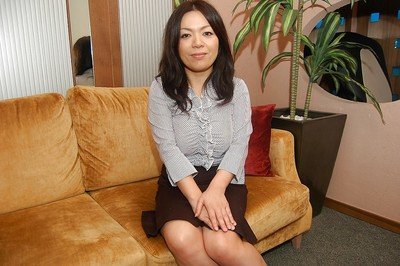 Raunchy oriental MILF with rough mambos getting rid of her clad