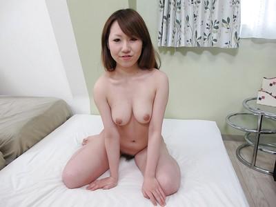 Smiley Japanese juvenile Maya Araki exposing her goods in close up exactly after bath