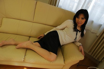 Japanese MILF Nagisa Takatsu undressing and exposing her captivating turns