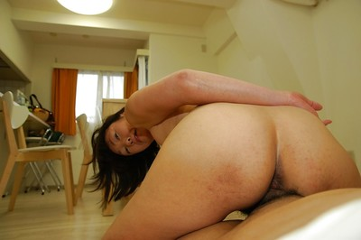 Chinese MILF Yukiko Ishii acquires her curly fur pie vibed and boned-up