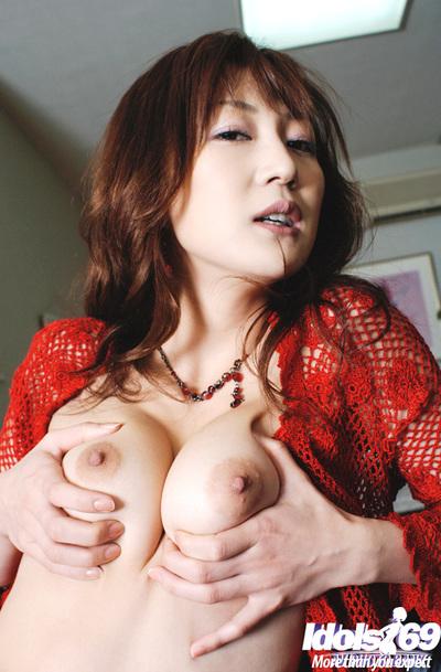 Bosomy oriental lady Mako Katase showcasing her fuckable body