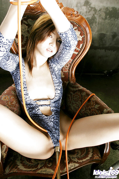 Moist booty oriental queen with untamed legs Yuki Touma posing in bikini