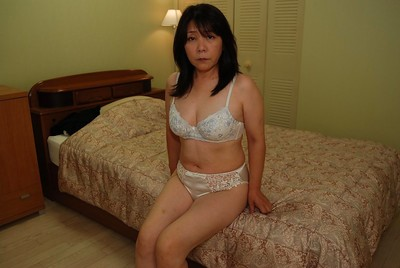 Oriental milf with an fabulous butt and compact pointer sisters Sayuri Nozawa act some posing