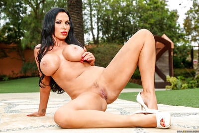 Beamy mamma chisel Nikki Benz removes the brush Canadian pennant bikini culmination familiarize with doused