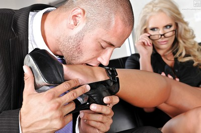 MILF pornstar Phoenix Marie having self-assertive heeled limbs together with toes worshiped