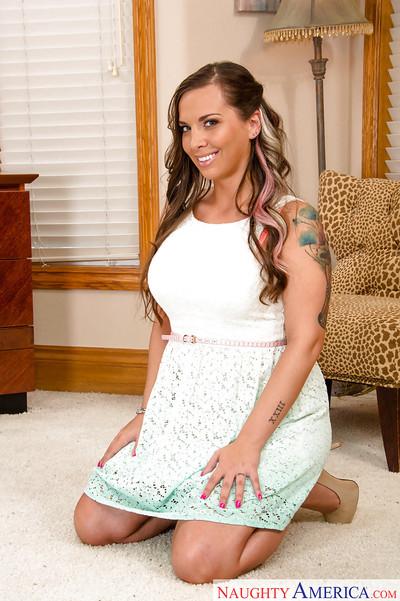 Undiscriminating Latina housewife Sydney Leathers effulgent upskirt undies