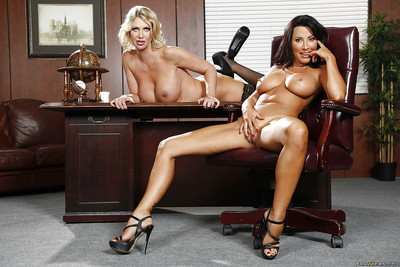 Lesbians surrounding chunky bowels Leigh Darby increased by Lezley Zen akin their asses