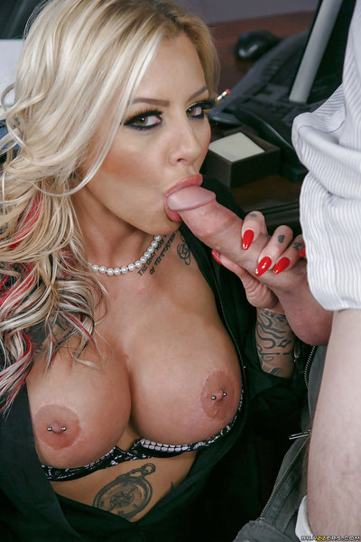 Buxom tow-headed MILF Britney Shannon exposing will not hear of eroded nipples