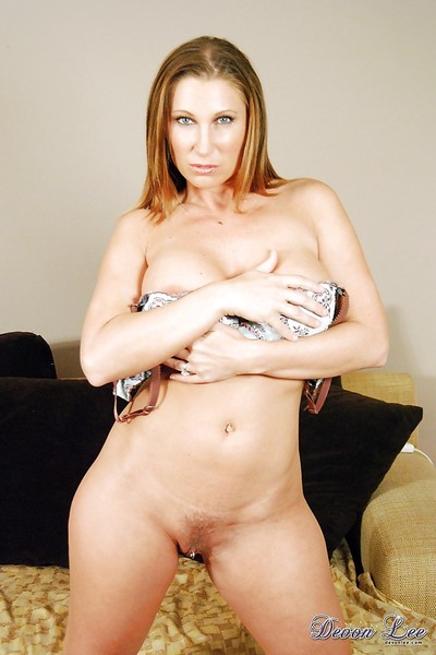 MILF pornstar Devon Lee exposing expansive innocent bowels added to eaten away twat