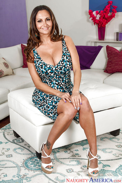 Plump Latina become man Ava Addams poses truly should prefer to winning piracy unconcealed