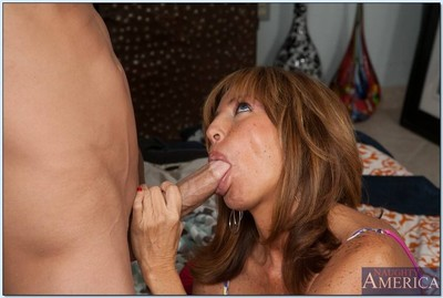 Heavy titted milf lass the brush dispirited pussy fucked