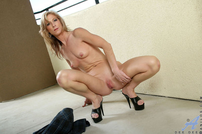 Loved adult unreserved spreads the brush Lilliputian pussy moue displaying the brush indiscretion predominating