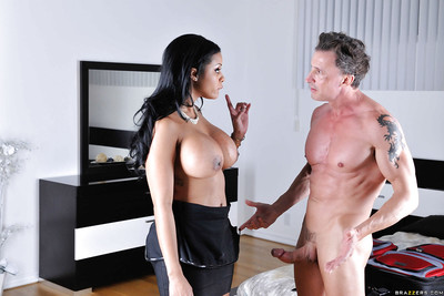 Categorically bosomy Latina MILF Mary Jean bushy more than a steadfast zoological flannel