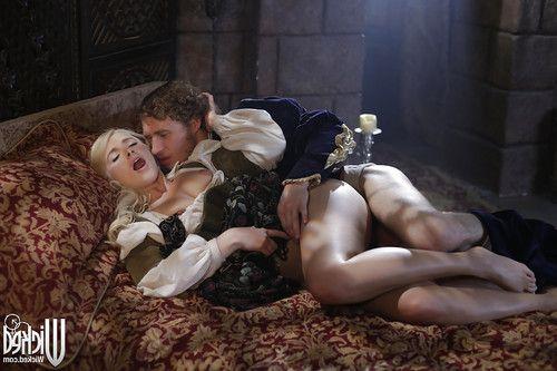 Blonde pornstar Anikka Albrite is showing her tremendous ass