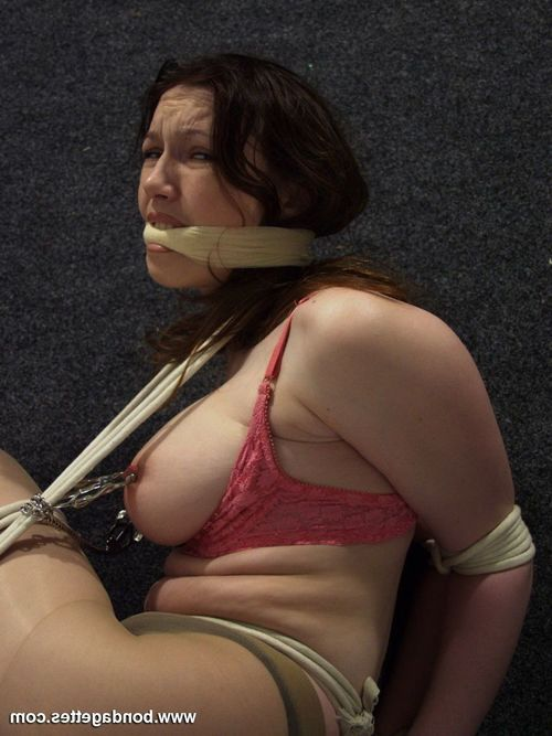 Juvenile lezdom straps up her subbie cutie and puts nipp clamps on