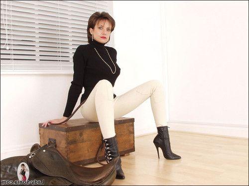 Equestrian long legs fetish mistress in tight jods