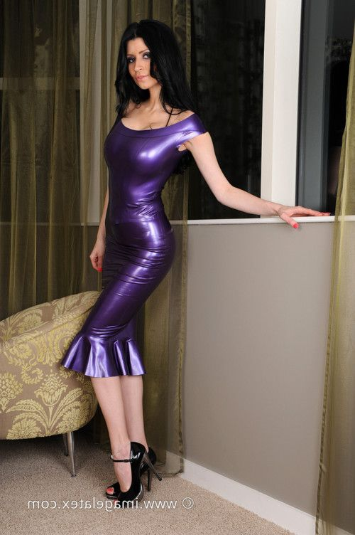 Glamour latex babe fetishes of naughty brunette in tight shiny o