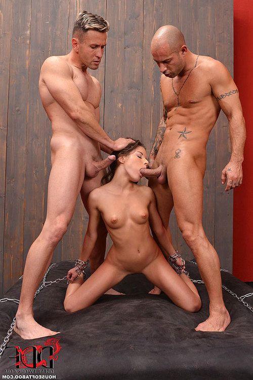 Italian fetish freak Anita Berlusconi giving bj and taking anal in chains