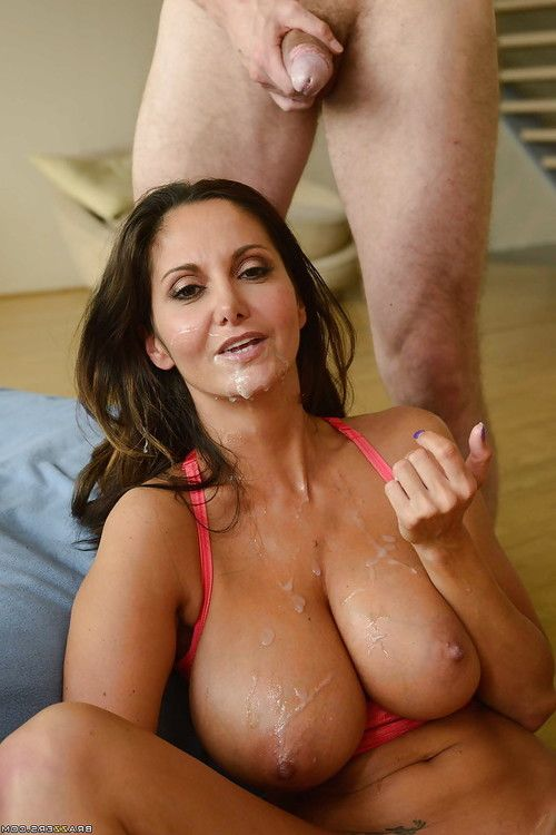 Busty housewife Ava Addams receiving oral sex on MILF vagina