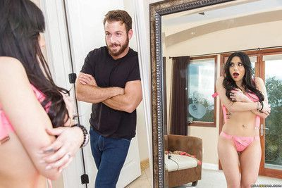 Sexy brunette wife Jaclyn Taylor is surprised by hubby with pussy licking