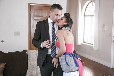 Boobsy MILF pornstar Rachel Starr giving dick sucking in vintage dress