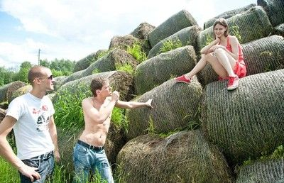 Beata undine slammed by two fuck hungry guys outdoors