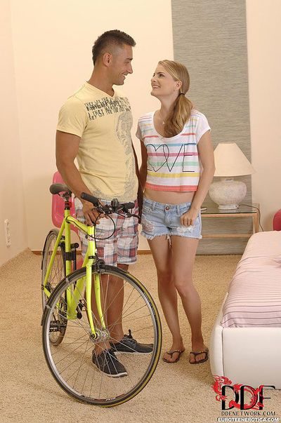 Euro teen Cayenne Klein blowing and riding big cock after street pickup