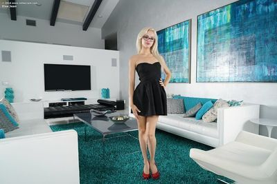 Natural hairy Elsa Jean in glasses spreading long legs to toy stretched pussy