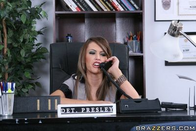 Busty Jenna Presley has her cunt stretched by a cock in the office