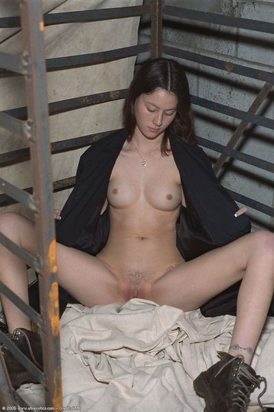 Amateur Latina removes mask before spreading trimmed first timer pussy