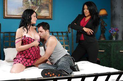 Pornstars Ashli Ames and Kiara Mia tag teaming stud in FFM threeway