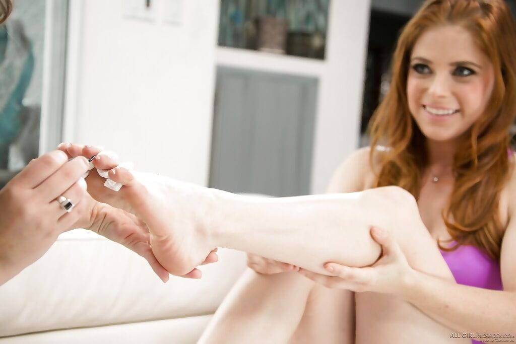 Girl on girl massage action featuring lesbians Penny Pax and Jade Nile