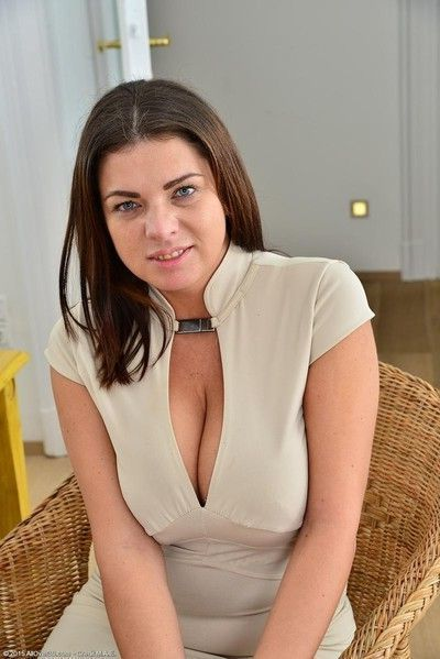 Curvy housewife with big soft tits