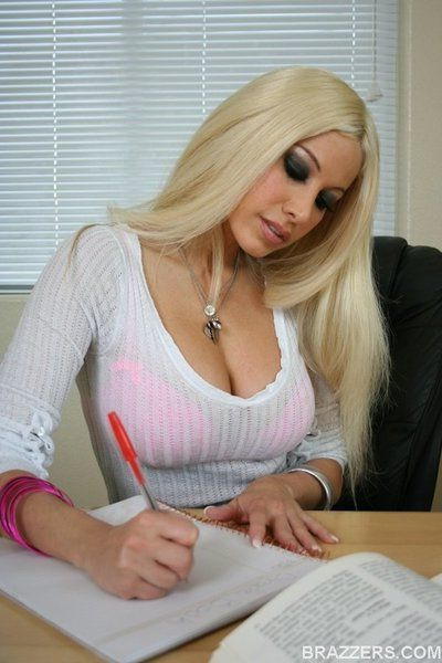 Latina MILF babe Gina Lynn strips and fingers pussy in the office