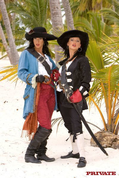 Sexy porn pirates fucking in tropic sex adventures