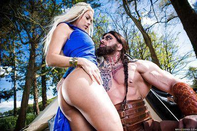 Cosplay pornstars Aruba Jasmine and Peta Jensen have threesome outdoors